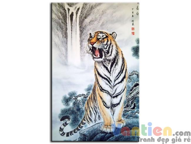 Oai Trấn Sơn Hà M0684