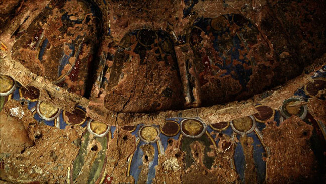 Những bức sơn dầu đầu tiên được vẽ từ thế kỷ V – IX trên tường hang đá tại Bamyian (Afghanistan)
